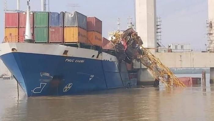 Sự cố tàu container Phúc Khánh tại chân cầu Phước Khánh