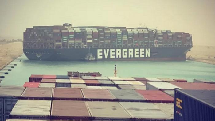 Kênh đào Suez: Cửa ngõ cho thương mại toàn cầu.