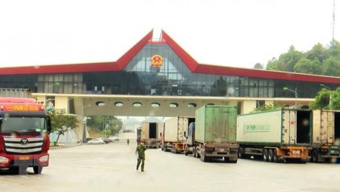 Lạng Sơn: Ách tắc hàng hóa nghiêm trọng xảy ra tại cửa khẩu Hữu Nghị Quan